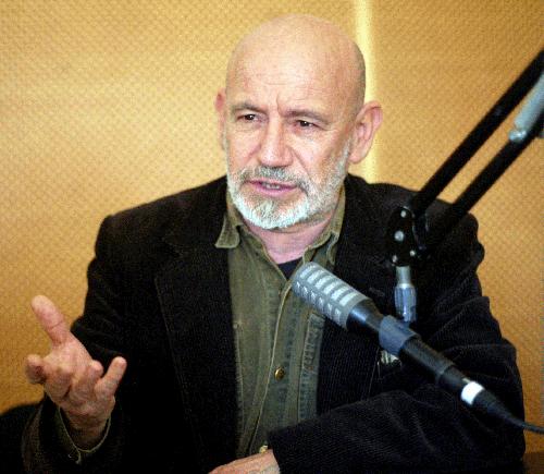 Nouri Bouzid in Radio Interview