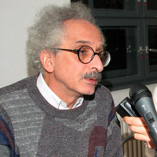 Sonallah Ibrahim during the 2004 Ibn Rushd Prize awarding ceremony.